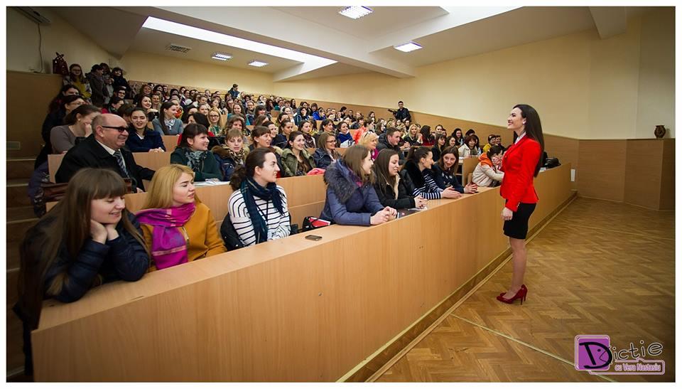 Vera Nastasiu a ținut o prelegere despre dicție și discurs public studenților facultății de Filologie din cadrul UPS Ion Creangă.