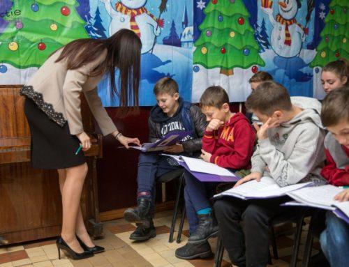 Cum pot fi ajutați copiii anxiosi la școală