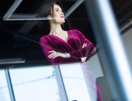 """Femei de succes: Vera Nastasiu – fondatoarea scolii Dictie.md: """"Haina cea mai scumpa pe care o poate imbraca o femeie este puterea ei!"""" – FOTO"""